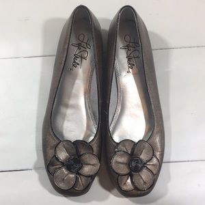 Life stride flats shoes size 9
